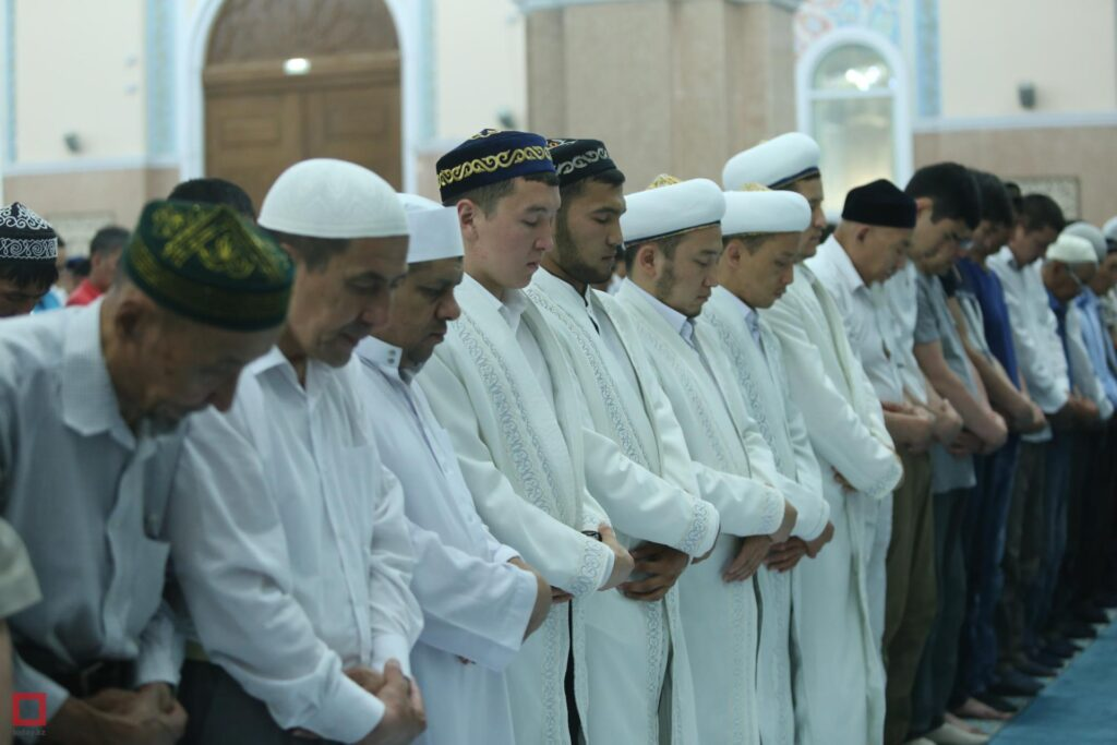 религия в жизни и казахов